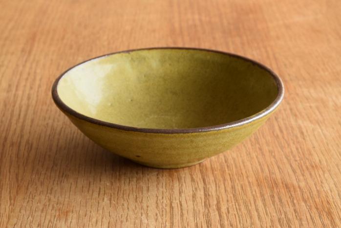 中村恵子|深緑小鉢 正面 小鉢や取り鉢として毎日使える器です。