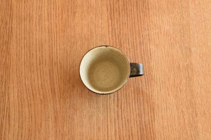 中村恵子|黒マグカップ(小)  俯瞰・表