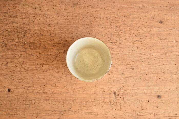 中村恵子|粉引バスクカップ 俯瞰・表