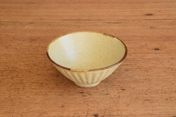 折笠秀樹|ワラマット釉シノギ飯碗 折笠さんのシノギがすきです。