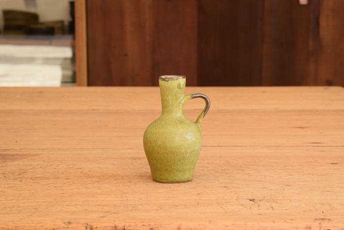 中村恵子|深緑取っ手付き一輪挿し 水平