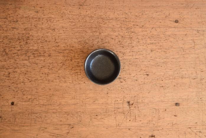 中村恵子|黒バスク鉢(豆 俯瞰・表
