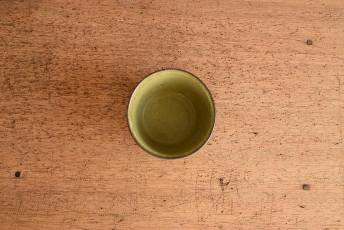 中村恵子|深緑バスクカップ 俯瞰・表