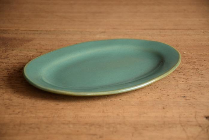 矢口桂司|益子青磁オーバルプレートM 色々な意味で使いやすいオーバル皿です。