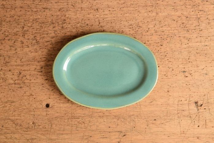 矢口桂司|益子青磁オーバルプレートS 色々な意味で使いやすいオーバル皿です。