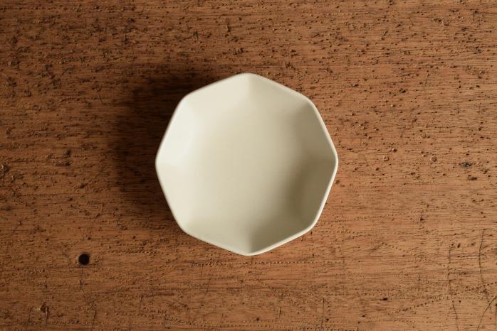 照井壮|白釉八角小皿 マットな磁器のうつわ
