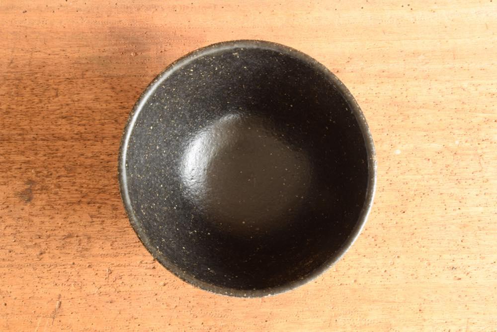角掛政志|黒釉麺鉢 俯瞰