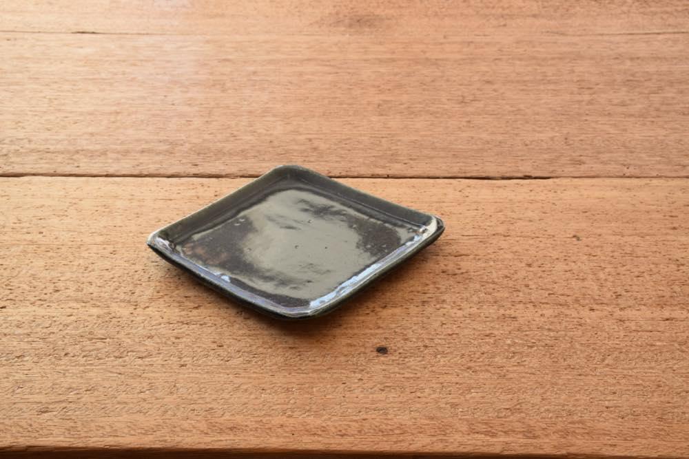 中村恵子|インディゴ角プレート皿 正面 意外となかった使い勝手のよいサイズ感のプレートです!