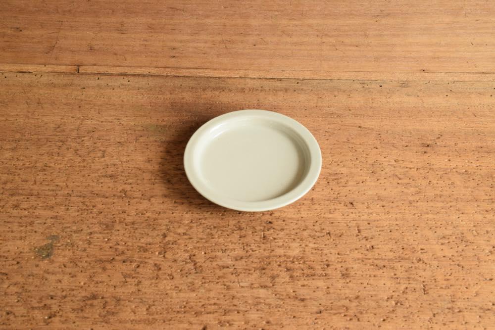 こいずみみゆき|リム皿(幅細・3寸) 正面 シンプル清々しいこいずみさんのうつわ