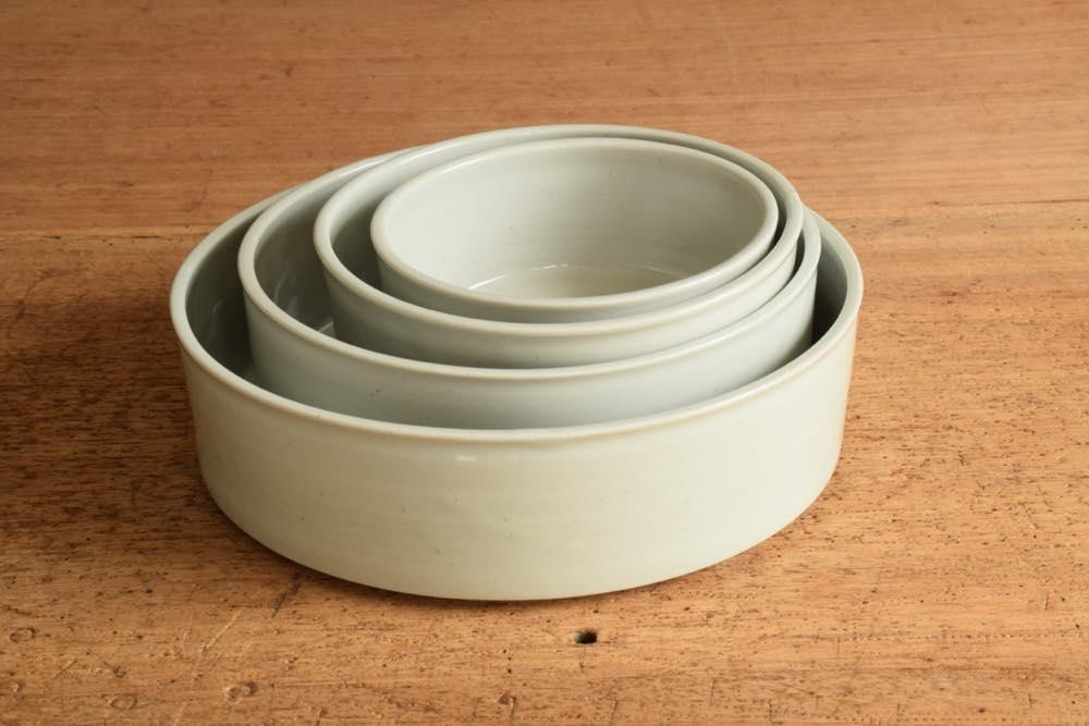 こいずみみゆき|ドラ鉢(5寸) 正面 シンプル清々しいこいずみさんのうつわ