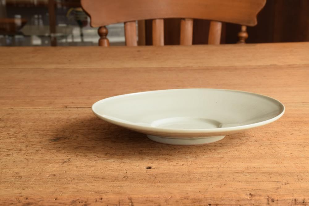 こいずみみゆき 浅鉢 正面 シンプル清々しいこいずみさんのうつわ